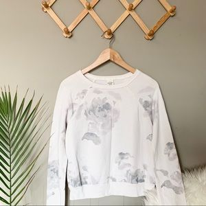 🌿 Abercrombie & Fitch Floral Sweatshirt